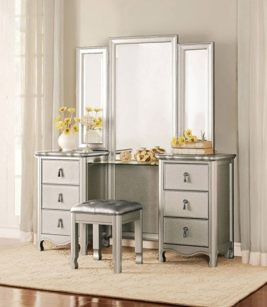 Best 25+ Glass vanity table ideas on Pinterest | Glass makeup ...