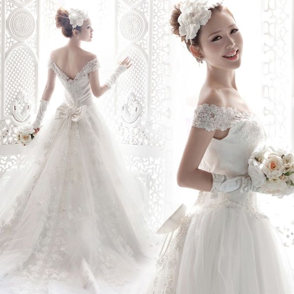 2014 Wedding Dress  Lace  White Luxury Slit Neckline Lace Bag Train Straps US $89.98 - 119.98