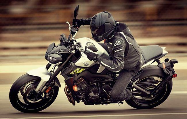 2017 Yamaha FZ-09 ABS Specs, Price and Reviews | Yamaha Motorcycle Sport