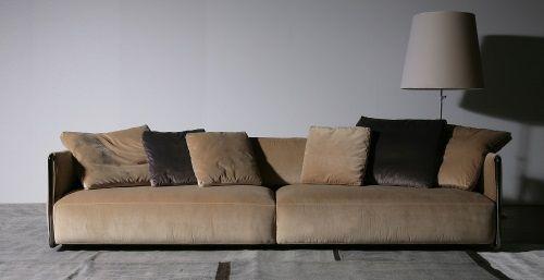Carlo Colombo disegna per Flexform il divano Edmond