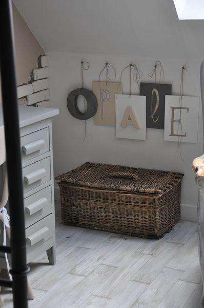 1000 id es sur le th me peinture en osier sur pinterest peindre l 39 osier peindre des meubles. Black Bedroom Furniture Sets. Home Design Ideas