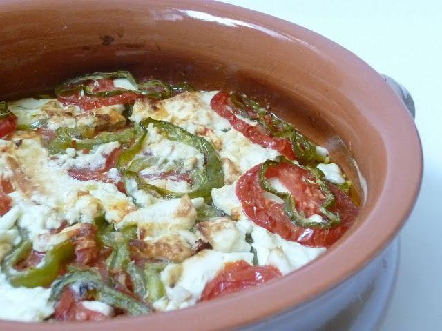 bouyiourdì (feta al forno con pomodori) - cucina greca