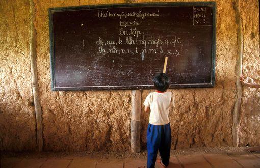 L'étude porte sur une centaine de mots de base dans près de 4.000 langues