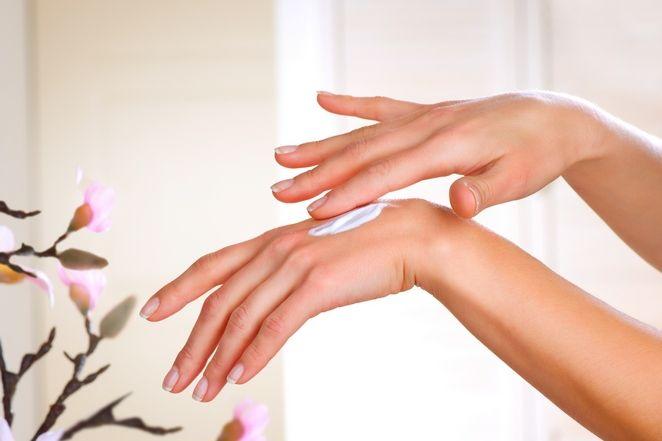 Секреты красоты и здоровья: Уход за кожей рук осенью