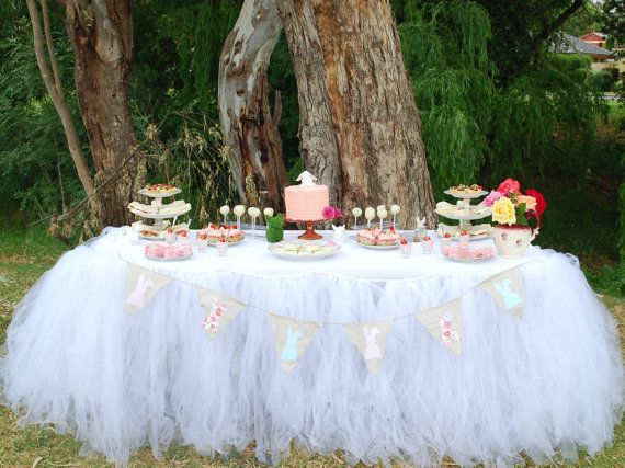 Tutu Table Skirt Candy Buffet Table Skirt Tulle por PoshMyParty