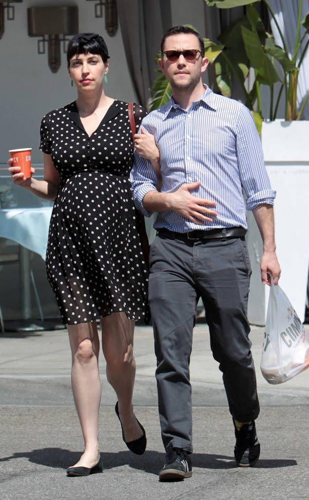 http://akns-images.eonline.com/eol_images/Entire_Site/201743/rs_634x1024-170503121746-634-joseph-gordon-levitt-pregnant-wife.jpg