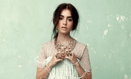 Loooove lilly collins