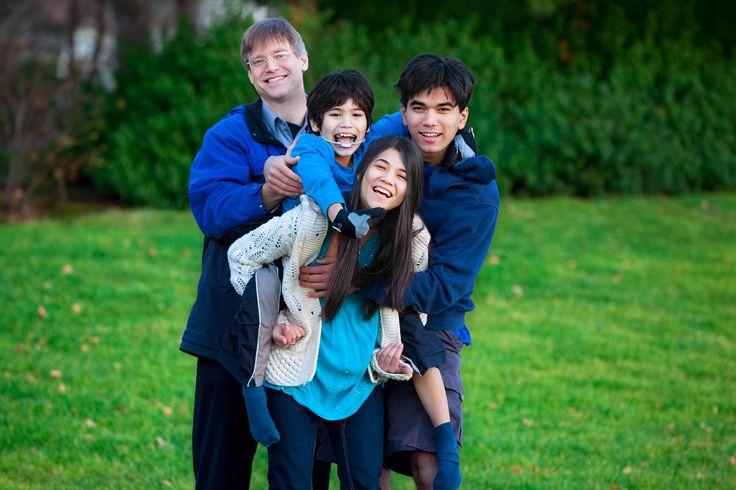 Ter um filho com necessidades especiais é uma tarefa árdua, mas com a ajuda da família tudo fica mais fácil. Reflita sobre a relação entre filhos e mães.