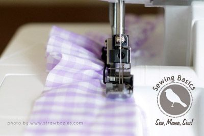 Sewing Basics: Ruffling + Easing with a Serger | Sew Mama Sew |