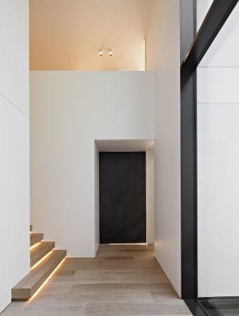 lighting under stairs//
