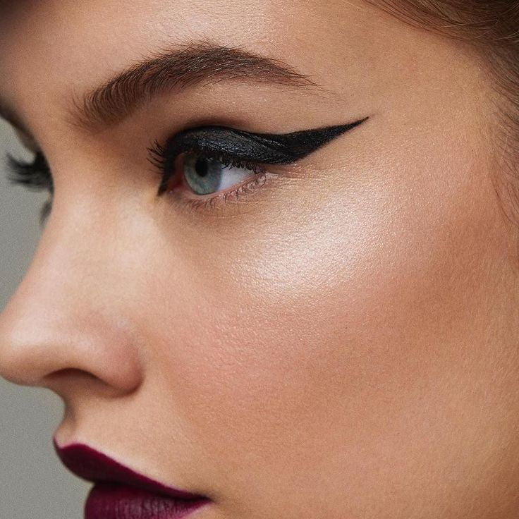 Hicimos un recuento de las mejores fotos del backstage de @lorealmakeup en Fashion Week. Descúbrelas en www.lbeaute.mx. #LBeauteMx#LBeauteFashionWeek #Eyes #Eyeliner #Makeup #Trends