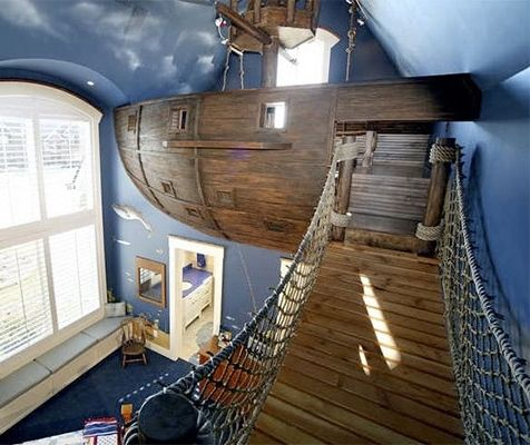 Fantasies of commanding a sturdy vessel equipped for battle on the seven seas became near-reality for one lucky kid with this floating pirate ship built by Kuhl Design Build LLC. The Peter Pan-like hangout spot includes a crow's nest, ship wheel, and multiple points of access.