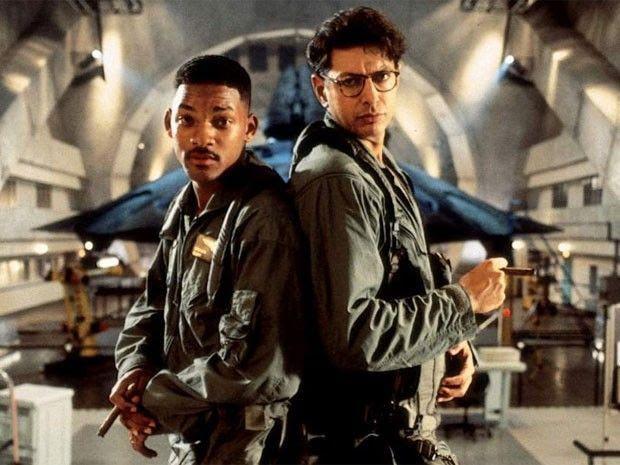 Independence Day : A Star Wars Story : ウィル・スミス主演の「スター・ウォーズ : インデペンデンス・デイ」の壮絶なクライマックスをお楽しみください ! ! - エイリアンによる地球侵略は、どうやら、帝国の差し金だった?!ことを突きとめたらしいウィル・スミスとジェフ・ゴールドブラムこそが…!! | CIA Movie News |  Star Wars, Independence Day, Video, Video of the day, Will Smith, Jeff Goldblum, Fan-made - 映画 エンタメ セレブ & テレビ の 情報 ニュース from CIA Movie News / CIA こちら映画中央情報局です