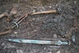 """Résultat de recherche d'images pour """"tombes celtes sion"""""""