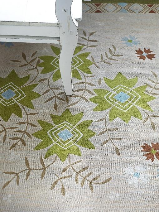Herbst  Winter 2012  Herbstlicher Naturstoffteppich mit