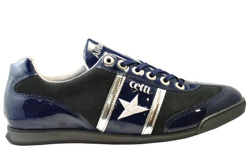 Cetti trainer model in blue