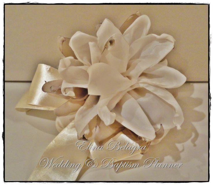 wedding#gifts#pearl#lace#love#gamos#wedding#chicwedding#romantic#wedding#fabric#flowers#romance#vintagewedding#vintage#handmade#weddingplanner#elinabelagra#www.elinabelagra.grΜπομπονιέρα γάμου πουγκί από ύφασμα, λουλούδια υφασμάτινα