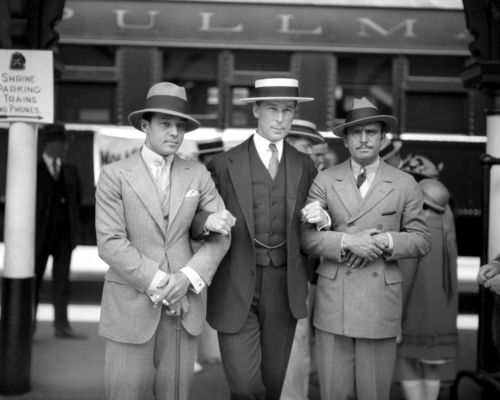 1925.  Valentino, Hart, and Fairbanks.