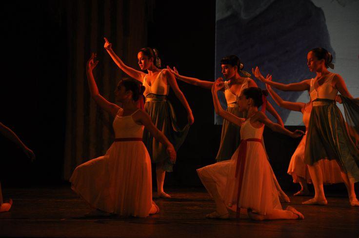 """Cuarto Festival del Estudio de Danza Raquel Bernaola: """"Perfume"""""""