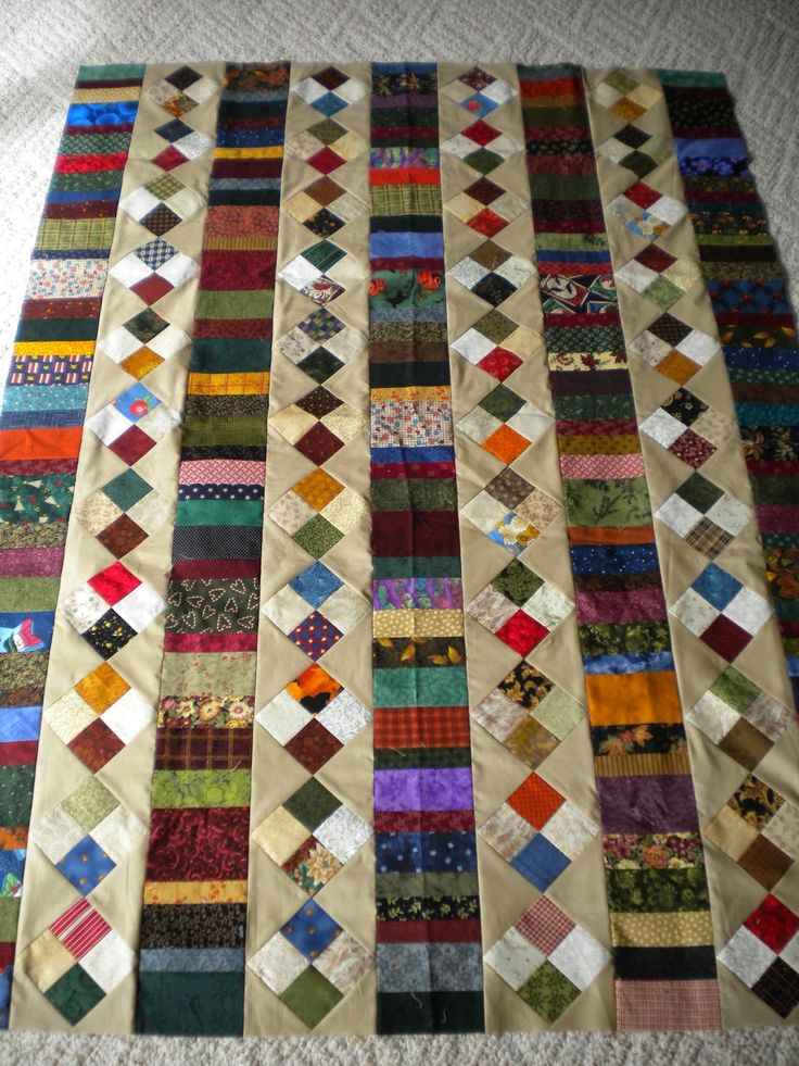 Vicki's Crafts and Quilting: scrappy 4 patch and coins