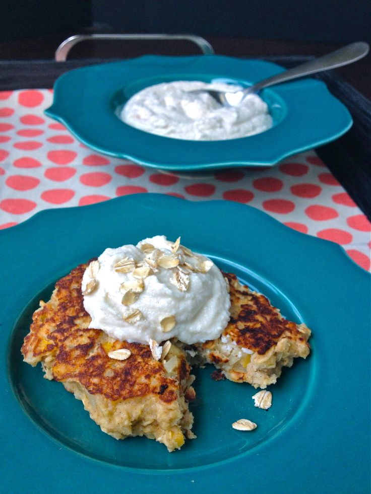 Oatmeal Griddle Cakes ~ http://jennabraddock.com