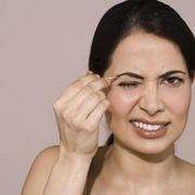 How to Tweeze Your Eyebrows Painlessly | eHow