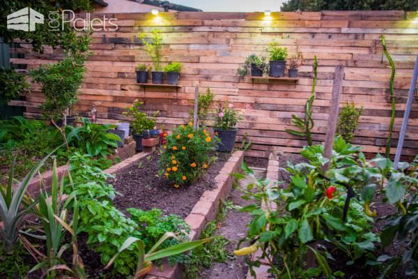 Pallet Privacy Fence Creates Stylish Garden Area Pallet Fences