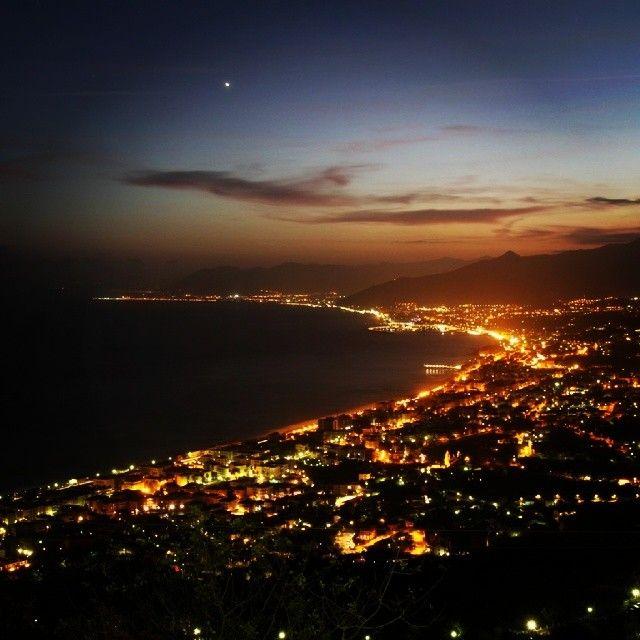 Scorcio notturno da #Verezzi  Foto di @ricgianni
