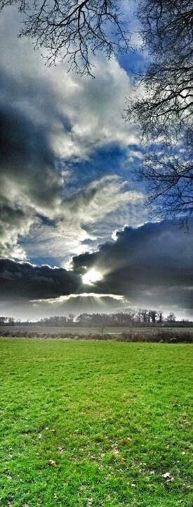 Achter de wolken ...
