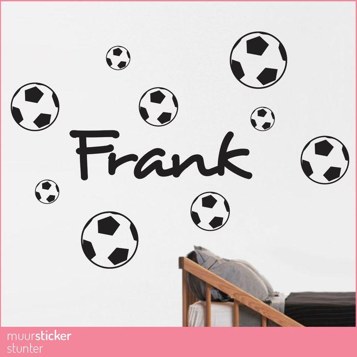 Kies je Eigen formaat Muursticker Naam Voetballen. Kies jouw eigen Kleur en Formaat. Bestel eenvoudig via Onze webshop en wij maken jouw Muursticker.
