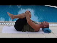 ▶ Esercizi di allungamento contro il mal di schiena e la sciatica - YouTube