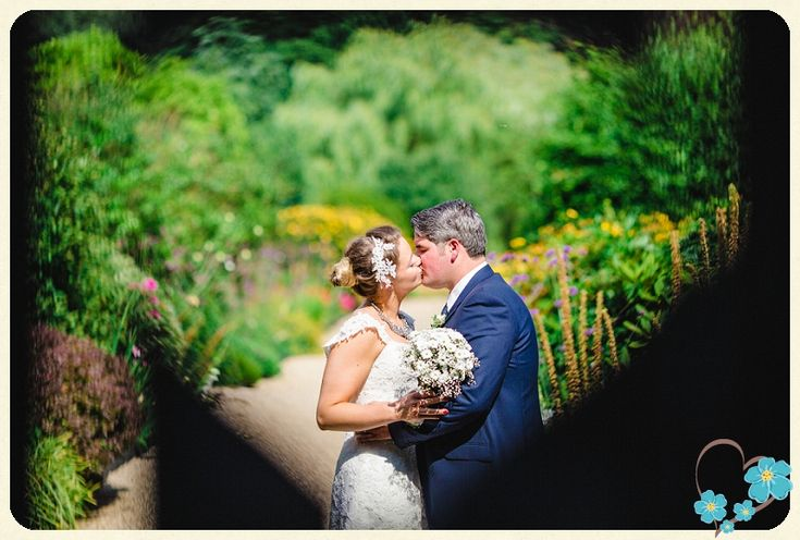 Claire & Mike's Beautiful Summer Floral Wedding at Gaynes Park, Epping » West Sussex Wedding Photography by Nicki Feltham