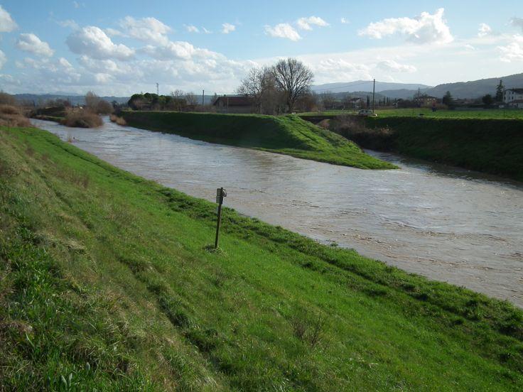 Il fiume Topino scorre vicino
