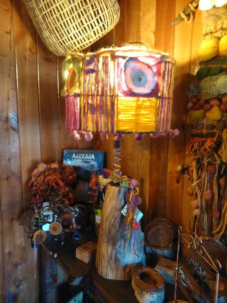 lámpara lana picoyo y fierro, muestra en Hotel y Restaurant Nalcas de Malalcahuello