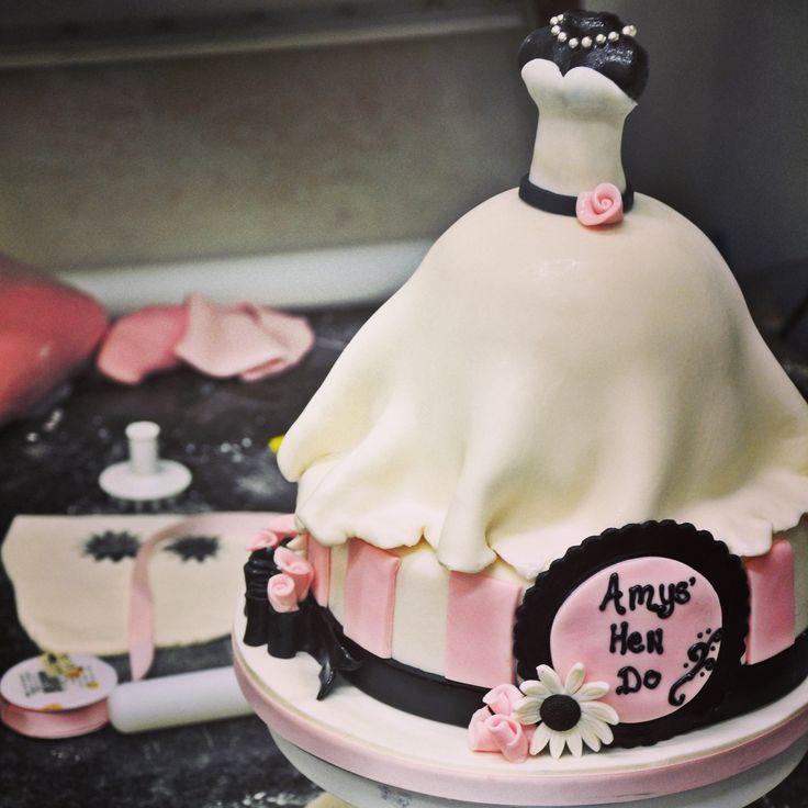 This beautiful #bespokecake is perfect for ladies looking for an alternative hen do/ bridal shower cake #sugarcraft #irishbaking #occasioncake #celebrate #bridalshower