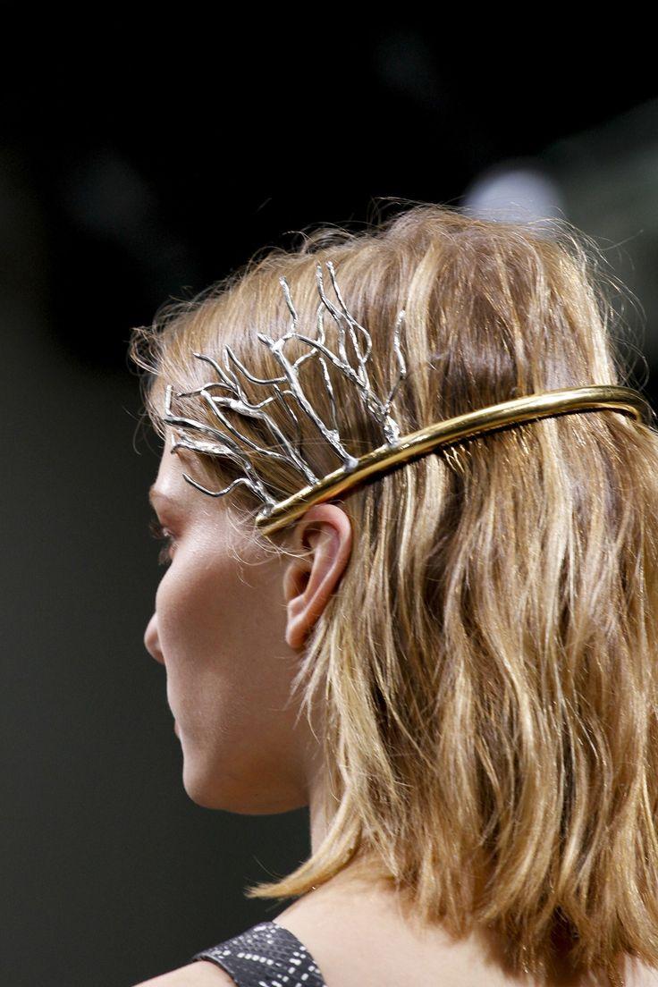 Trendy bridal headpiece - Tocados Y Velos De Novia Bridal Headpieces Veils Amas La Naturaleza