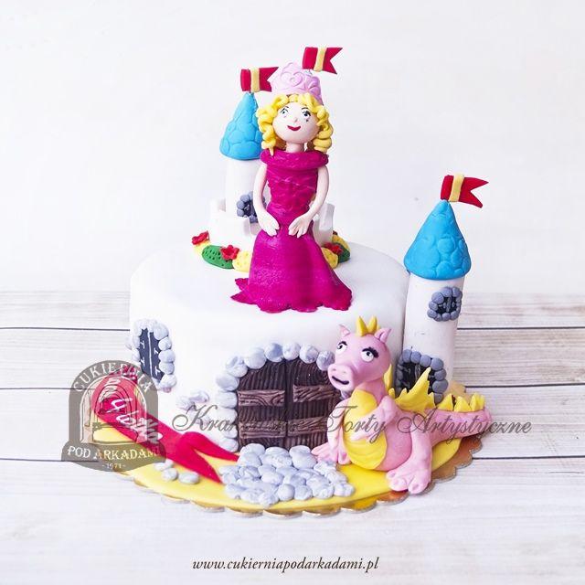 217BD Tort w kształcie zamku z figurkami królewny i smoka. Castle cake with princess and dragon.