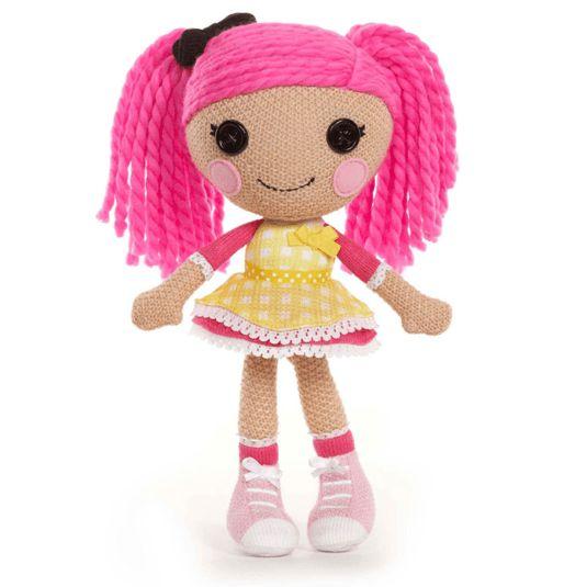 Lalaloopsy Crochet Crumbs Sugar Cookie komt uit de Super Silly Party serie. Ze heeft een jurkje aan dat is gemaakt van een bakkersschort. Ze is erg zacht en dus lekker knuffelbaar, omdat ze helemaal gehaakt is.