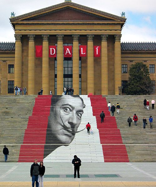 Salvador Dalí on the steps of the Philadelphia Museum of Art