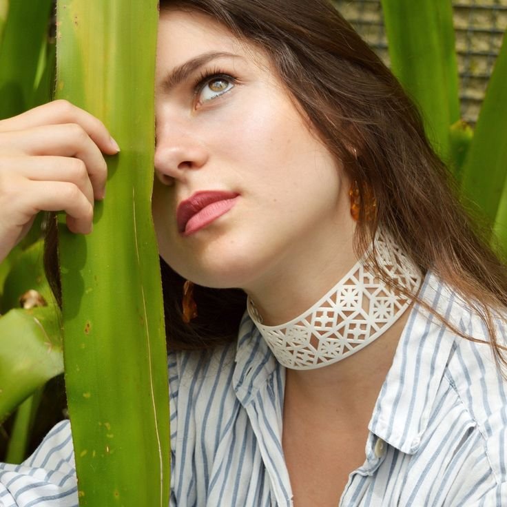 Damask choker represents a cutting-edge approach towards traditional patterns of damask. Vegan and sustainable jewelry!
