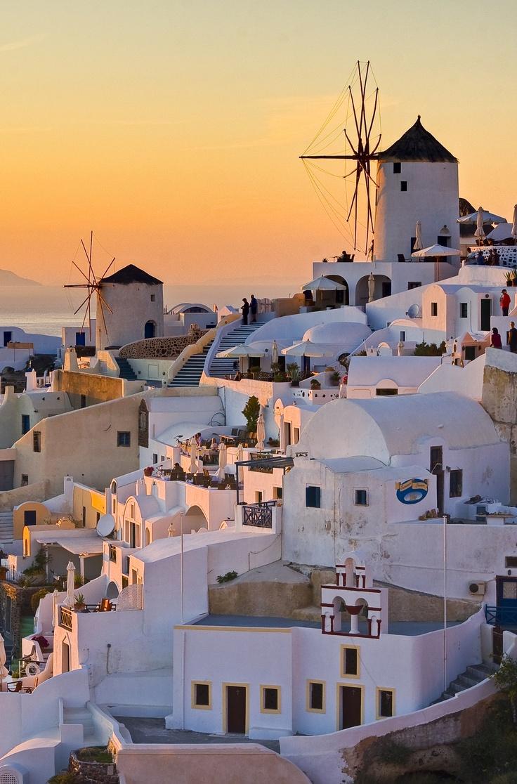 pingl par voyage priv sur inspirations du cin ma vacances en grece santorini et voyage. Black Bedroom Furniture Sets. Home Design Ideas