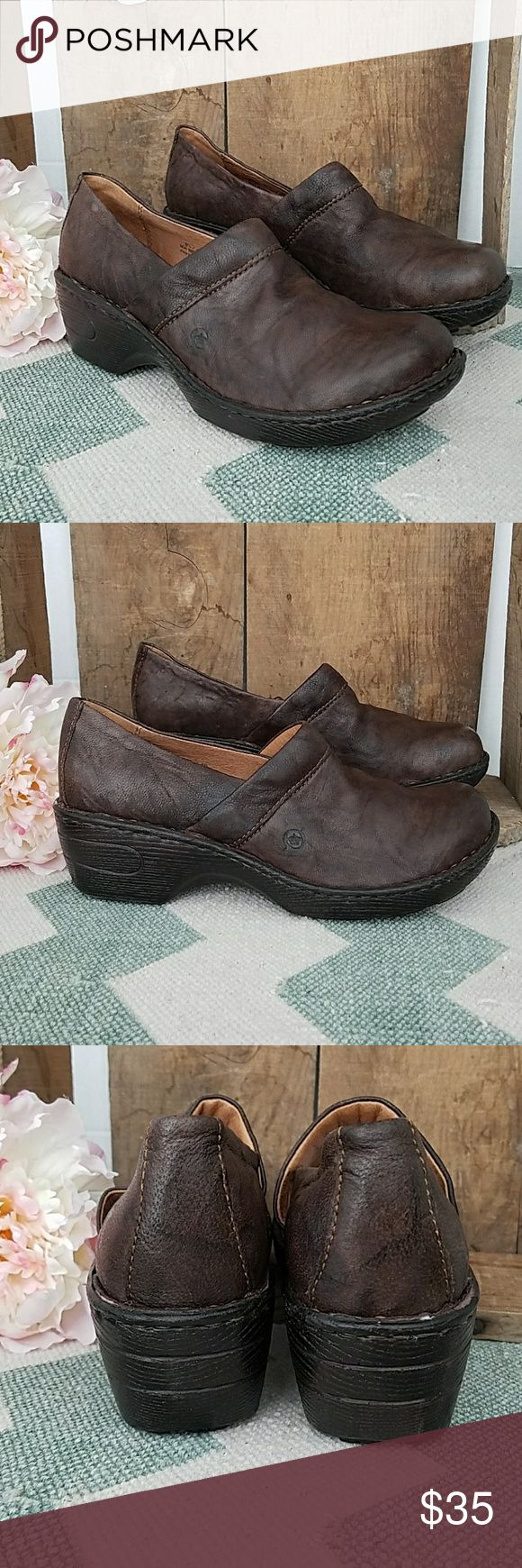 Born Toby II brown leather mule clog size 8.5 Born Toby II brown leather mule clog size 8.5  Don't leave this behind. Add it to your bundle ASAP ♡  Photos are the description of this item. Any flaws will be noted.Otherwise article is in excellent condition. Born Shoes Mules & Clogs