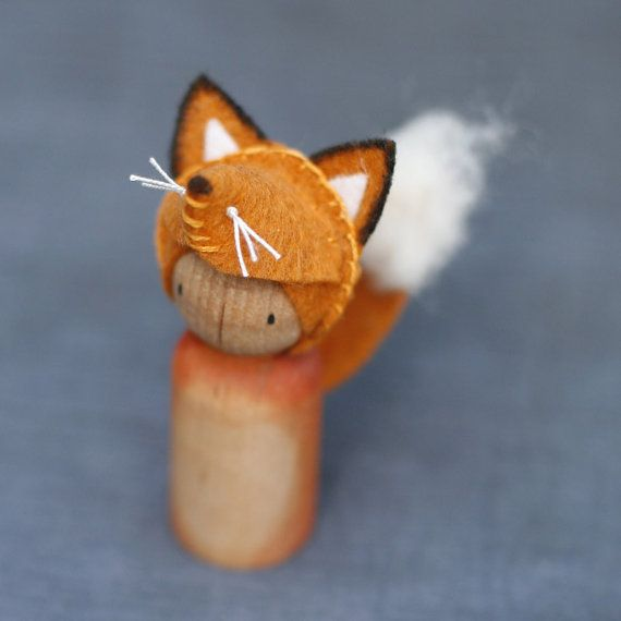 Crafty Fox Peg Puppe Waldorf inspiriert von BeetleAndFern auf Etsy