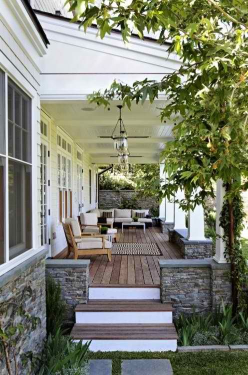Tips to make your porch more inviting via Better Homes & Gardens #curbappeal