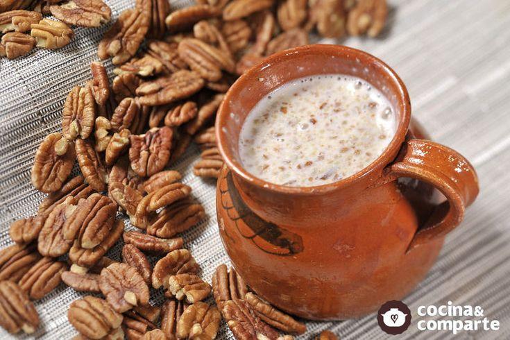 Atole de nuez hecha por Sonia Ortiz. Los atoles son bebidas tradicionales en México, se pueden servir como desayuno o merienda acompañados de pan dulce.
