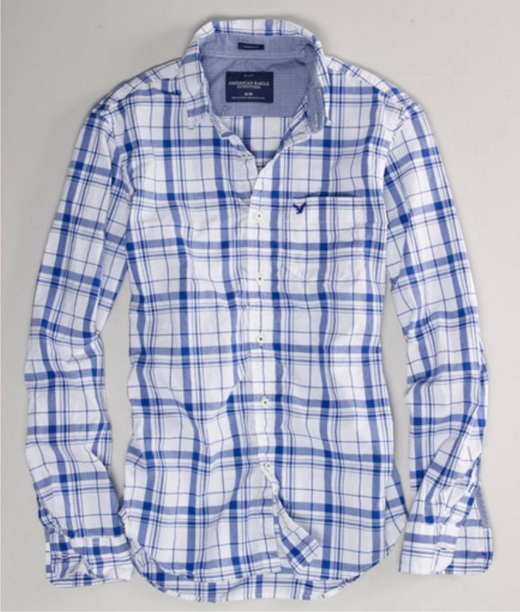 A true staple for all the men in our lives! Available at American Eagle.