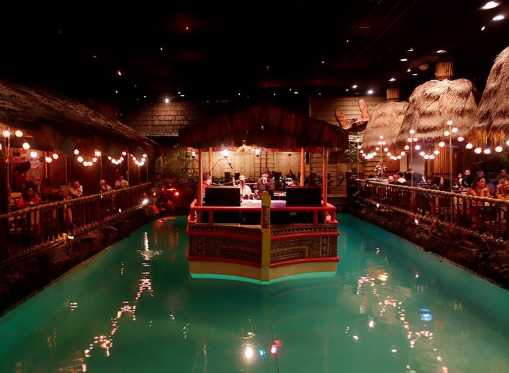 A San Francisco Spa Bachelorette Party | Dancing at the Tonga Room | EmilyStyle