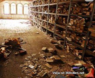 bibliothèque abandonnée, ancienne Allemagne de l'Est (Walddorf ?)