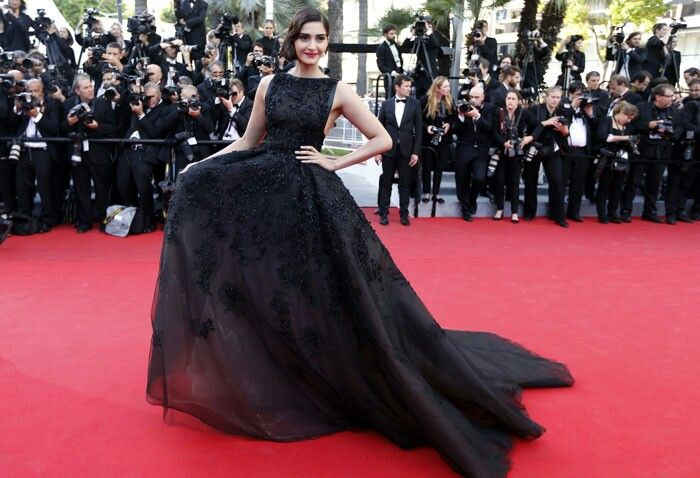 Old Hollywood glamour in elie saab gown by Sonam kapoor at cannes 2014.