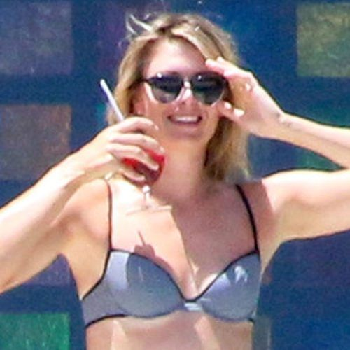 Austin Michael's blog: Maria  Sharapova Shows Off Her Winning Bikini Body...